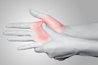 skiiers thumb - physiotherapy treatment in toronto